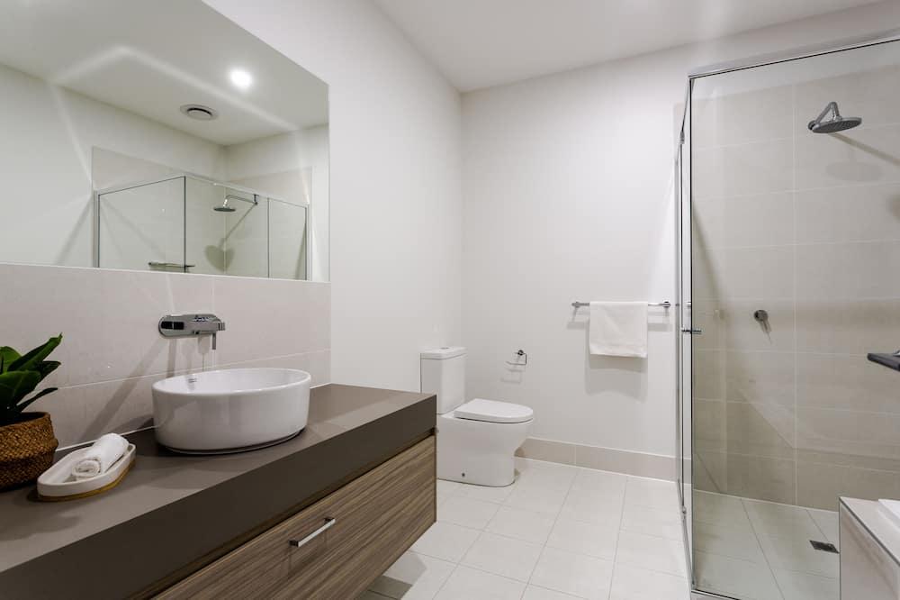 Executive Apartment - Bathroom