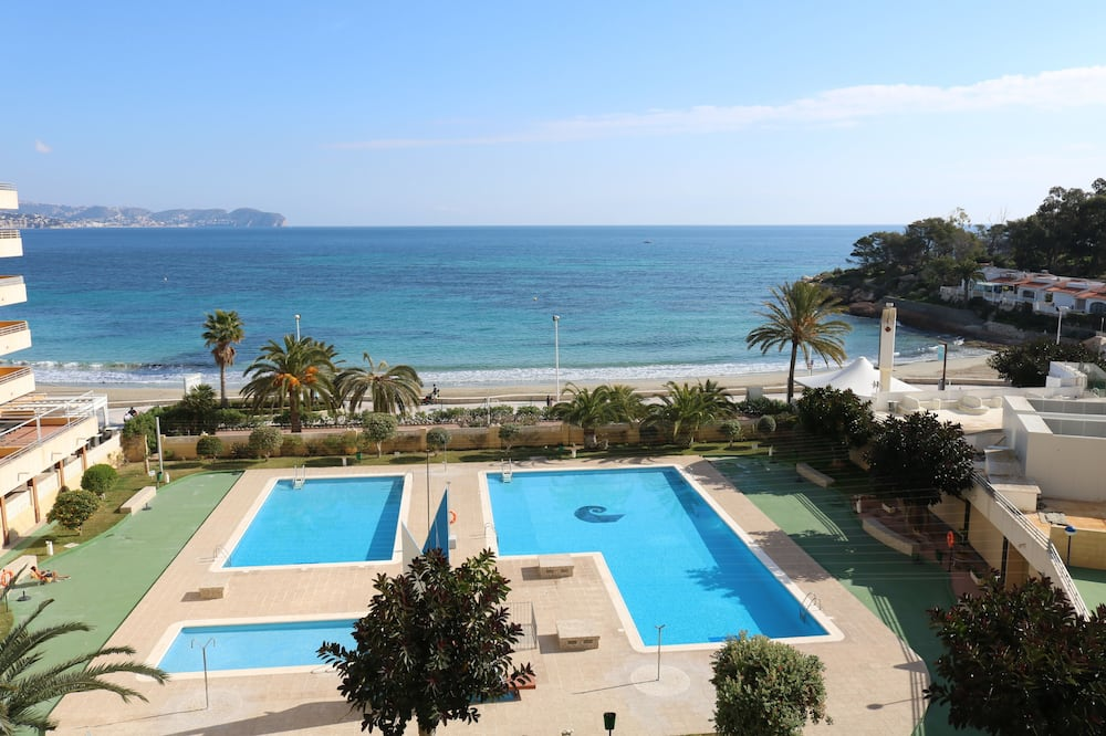 1 Bedroom Apartment With sea Views