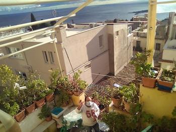 Hình ảnh Bright Room With Etna View tại Taormina