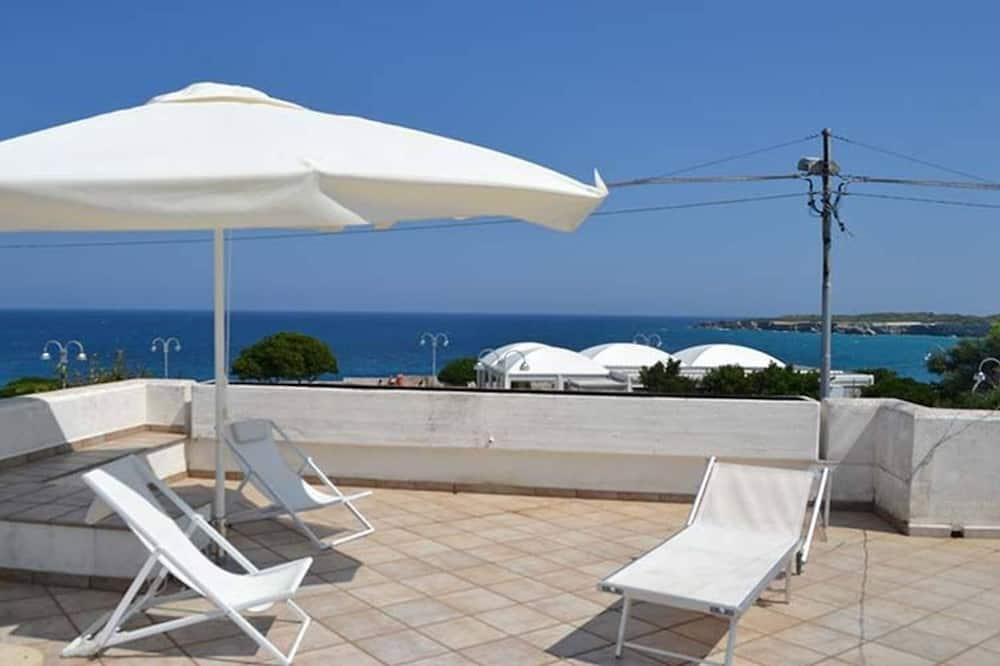 Lovely Holiday Apartment Quadrilocale Con Vista Mare Pt51 With Terrace Sea