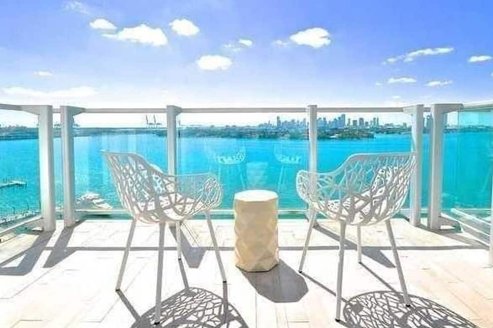 1 Bedroom Direct Bay View W Balcony 1100 West