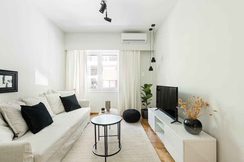 Serene 1 BR Apartment in Koukaki