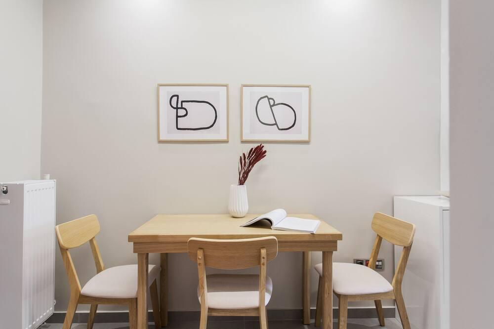 Romantic Apartment - In-Room Dining