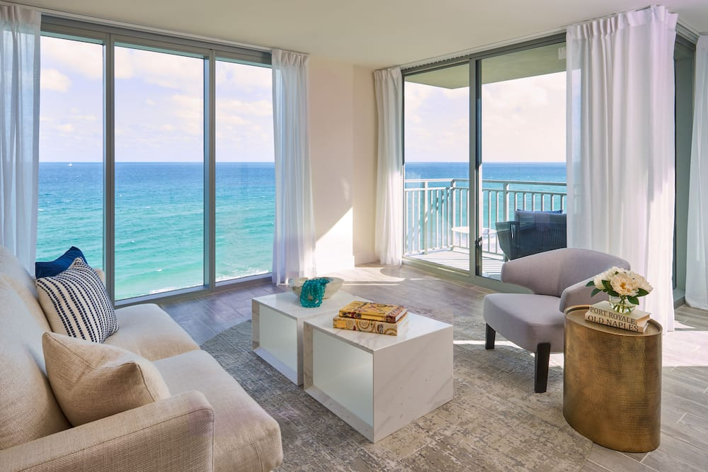 One Bedroom Suite - Oceanfront - 1 King Bed and Sofabed - Living Area