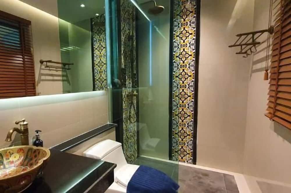 Deluxe Double Room (Sea View) - Bathroom