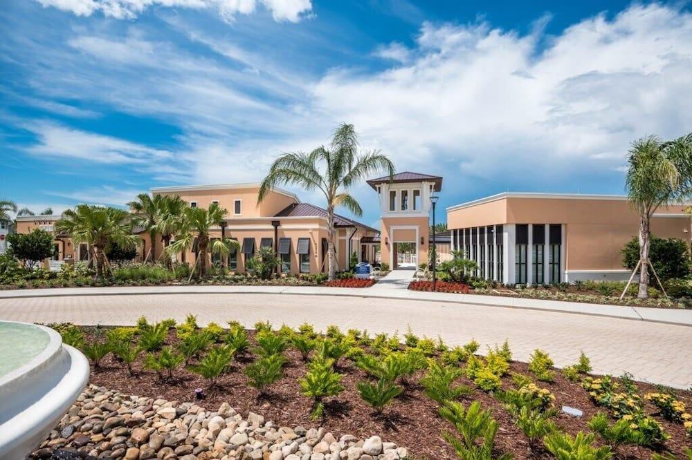 Villa (2177LELCIR) - Exterior