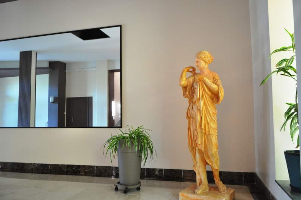 Apartment, Ensuite, Garden View (L'Aparté 118) - Lobby