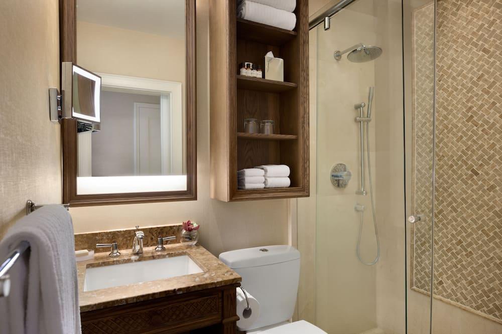 Fairmont Gold, ห้องพัก, เตียงคิงไซส์ 1 เตียง - ห้องน้ำ