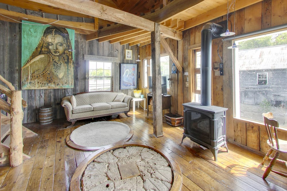 Family Cottage (Stockdale Mill) - Living Area