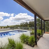 Luxury House, 4 Bedrooms - Private pool