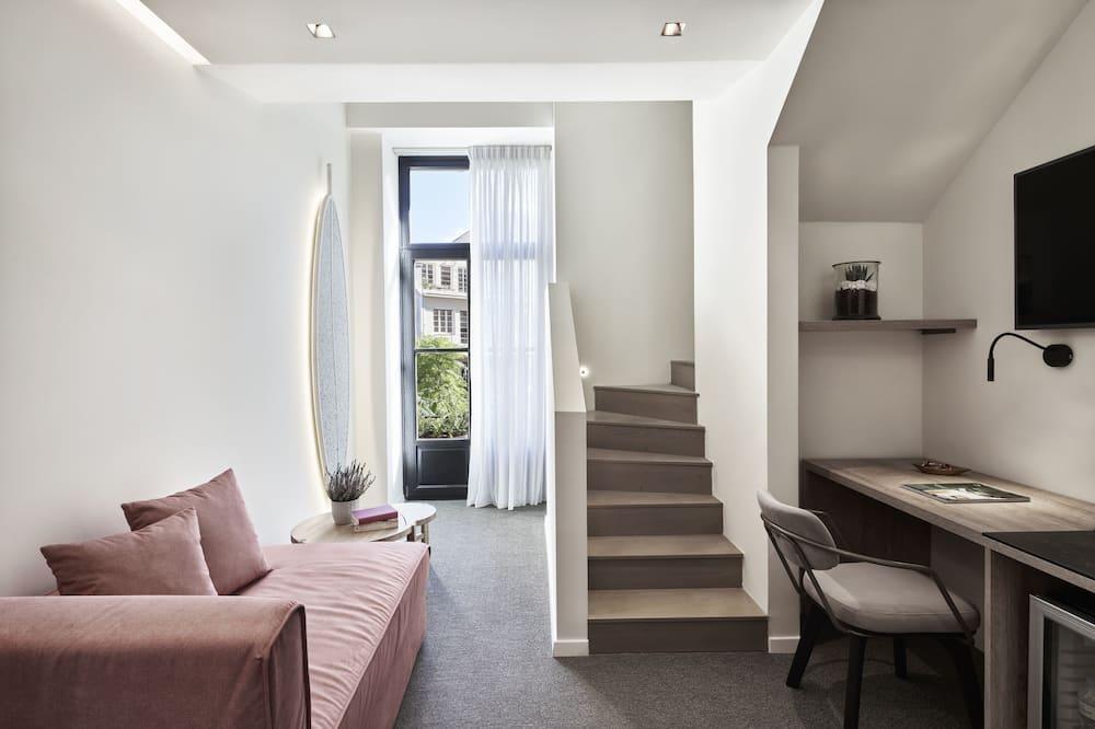 Superior Loft Suite Balcony - Ruang Tamu