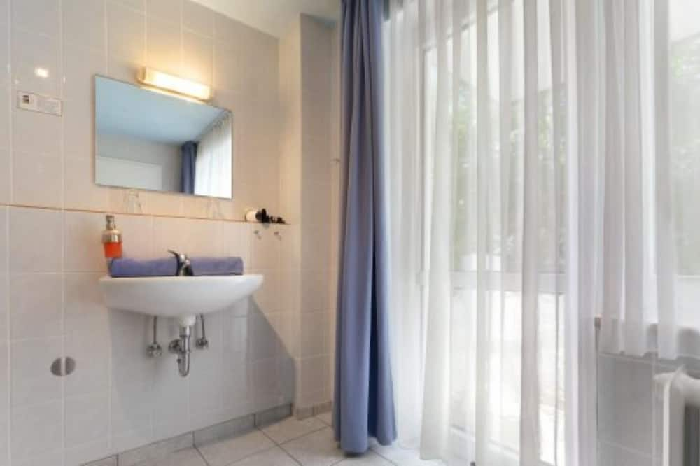 Doppelzimmer zur Inselseite - Koupelna