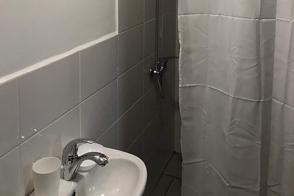 Семейный двухместный номер с 1 двуспальной кроватью - Ванная комната