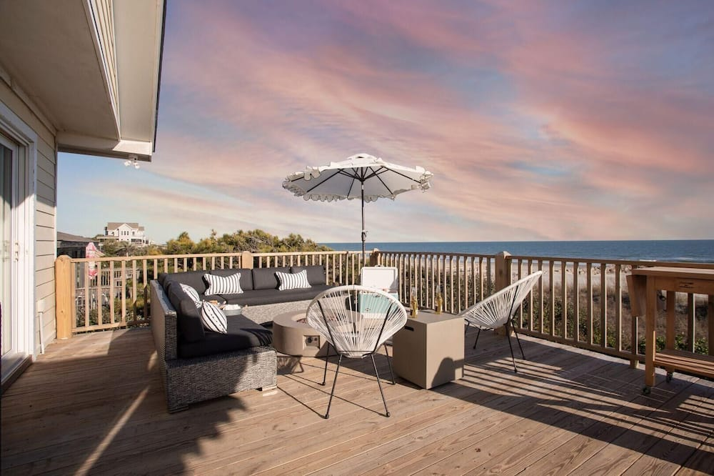 Будинок, багатомісний номер (Lighthouse - Beachfront Abode w Pool ) - Балкон