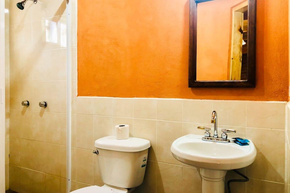 Standard Cabin - Bathroom