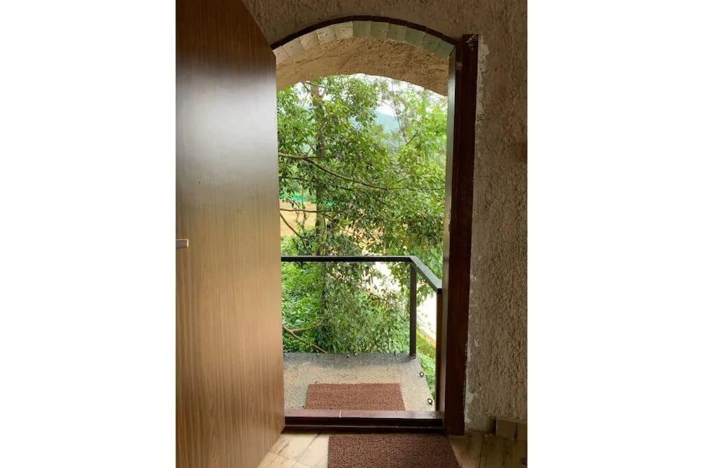 Rustic Charm Wayanad - The Stump (Treetop Suite)