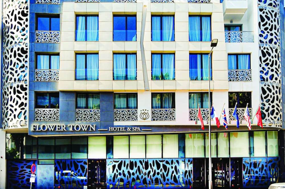 Flower Town Hôtel & Spa