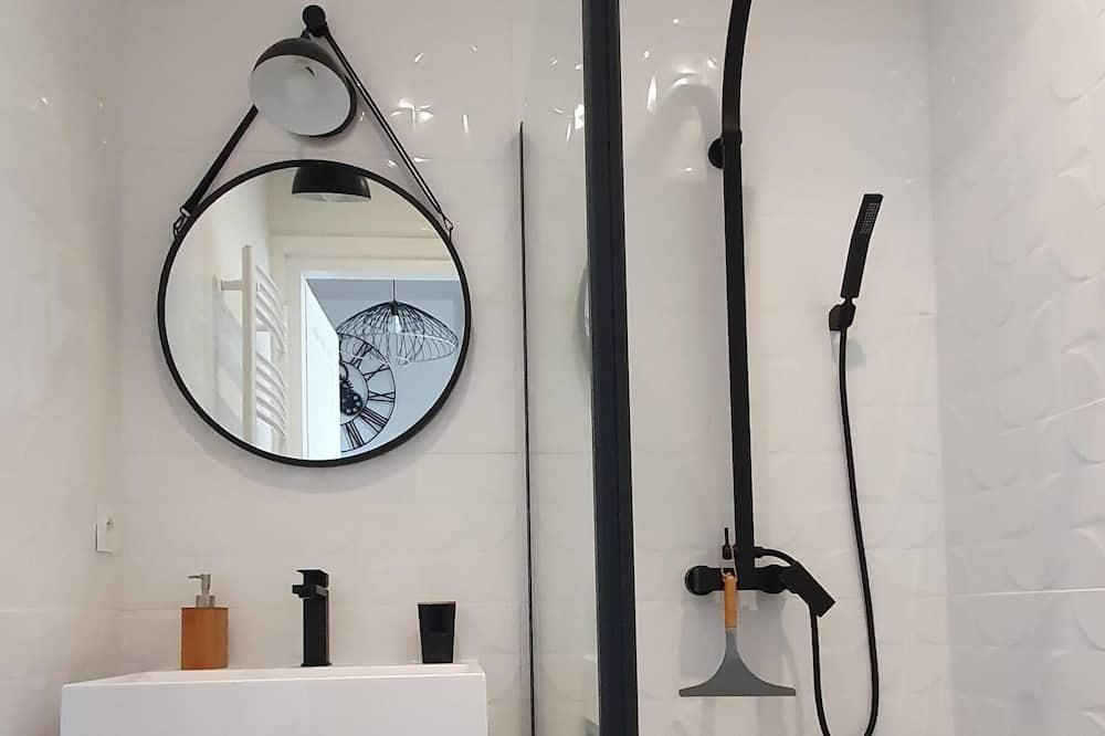 Külaliskorter, omaette tualettruumiga (Duplex au Coeur centre ) - Vannituba