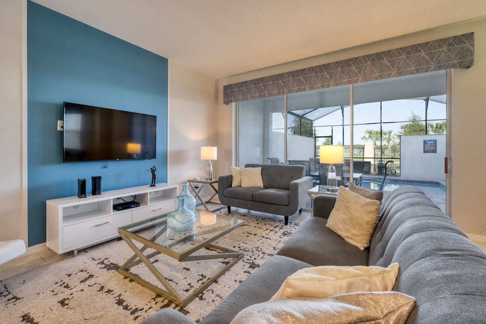 Cozy and Comfortable Villa Close to Parks