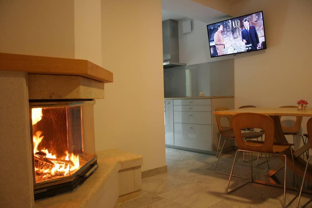 Apartment (Three Bedroom Apartment) - Bilik Rehat