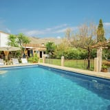 Luxurious Country House With Heated Pool for 8 People in Pollensa