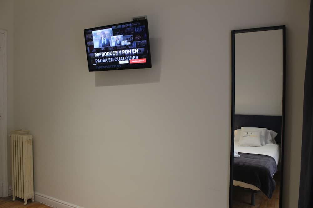 Kamar Twin Standar - Televisi