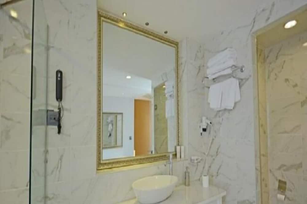 ห้องแฟมิลี่ดับเบิล - ห้องน้ำ