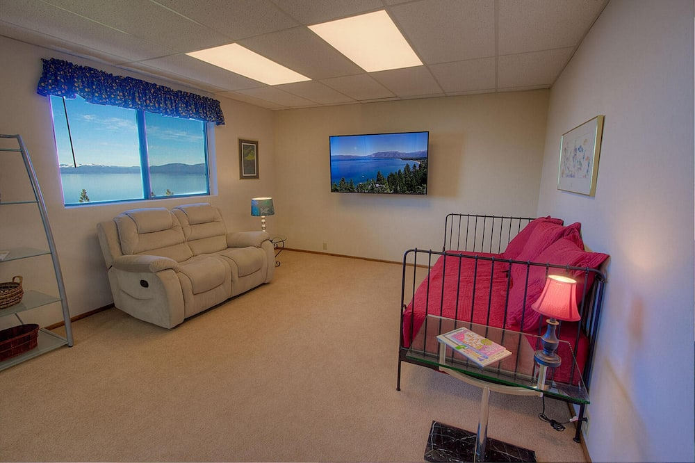 Hus, 4 soverom, utsikt mot innsjø - Stue