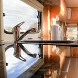 Stayzo Quiet Countryside Setting - Caravan View With Free Wi-fi in the Chiltern Hills