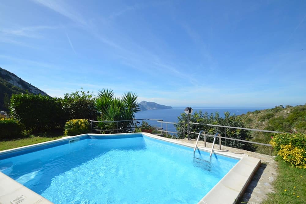 Amore Rentals - Villa Posidonia With Sea View, Swimming Pool and Garden