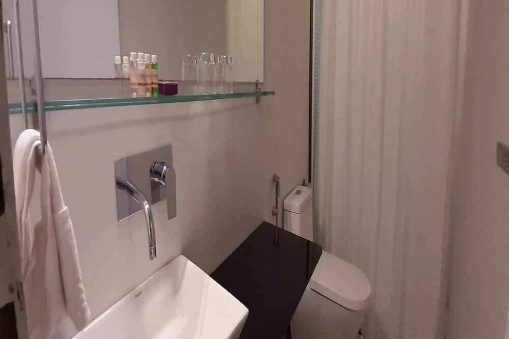 ห้องบิสซิเนสทวิน - ห้องน้ำ