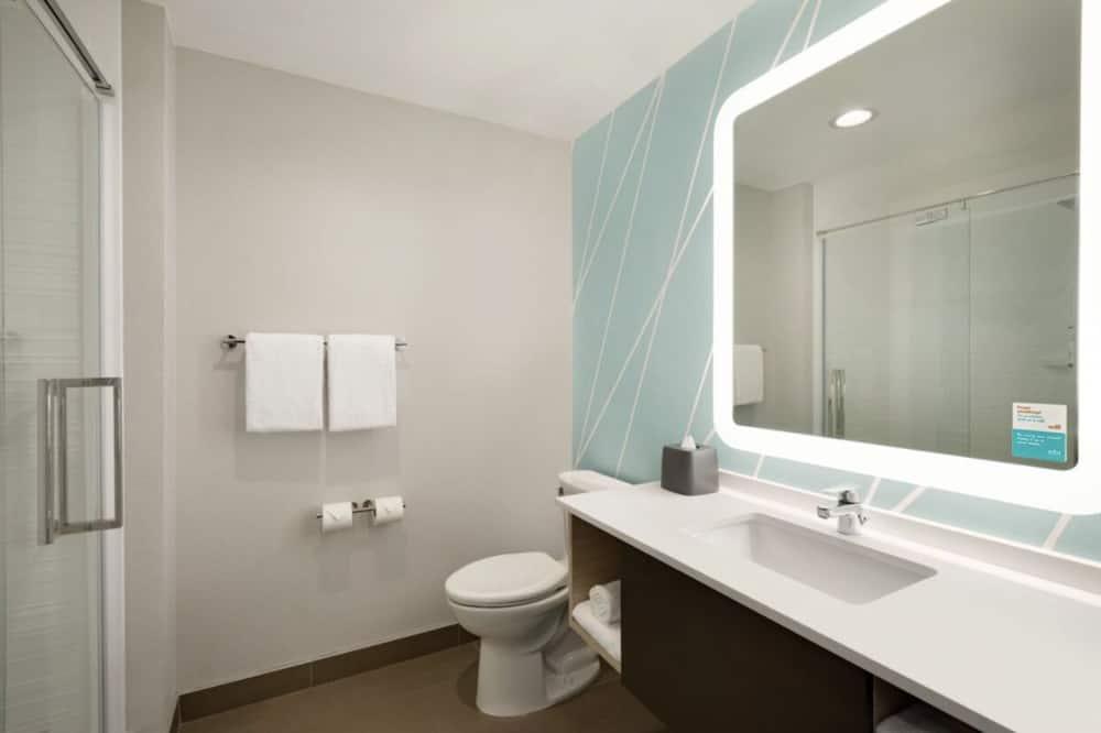 Room, 1 Katil Raja (King), Accessible (Hear) - Bilik mandi