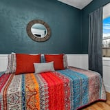 House (Northend Home W/Hot Tub in Historic W) - Bilik