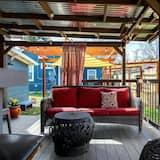 Room (Guest House W/ Hot Tub and Greenbelt ) - Balkoni
