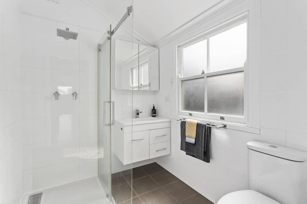 Comfort Cottage - Bathroom