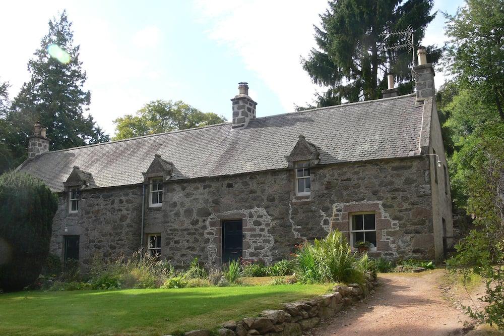 North Mains Cottage