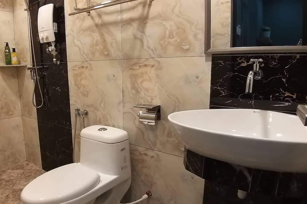 Deluxe Super King - Bathroom