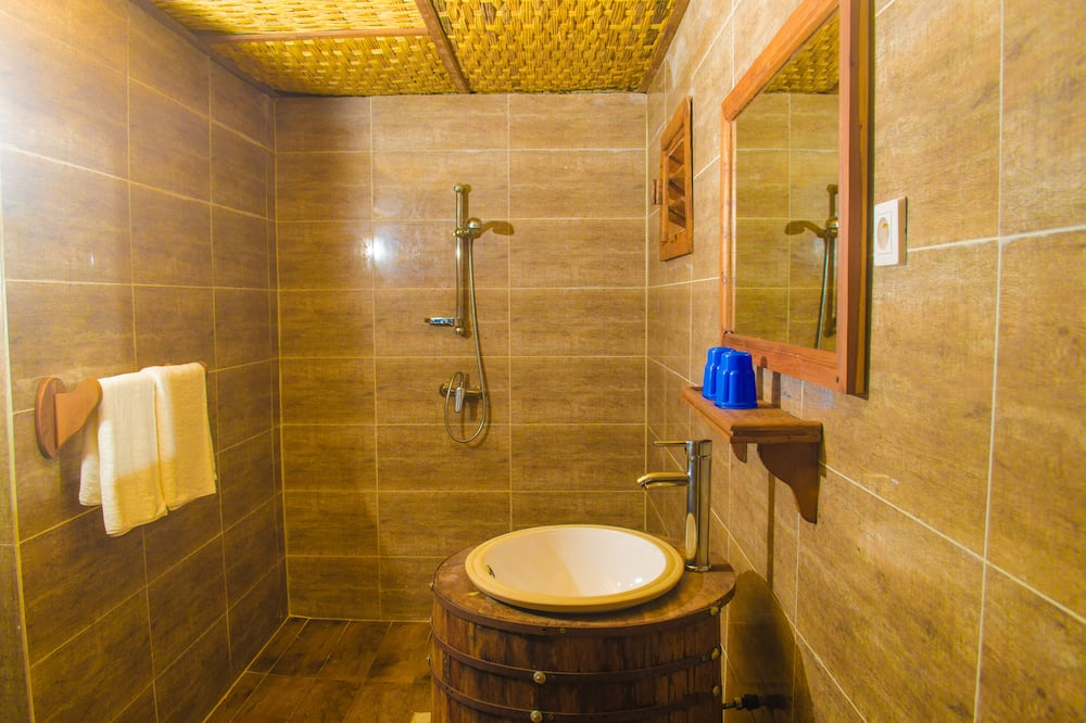 Luksus-værelse med 2 enkeltsenge - Badeværelse