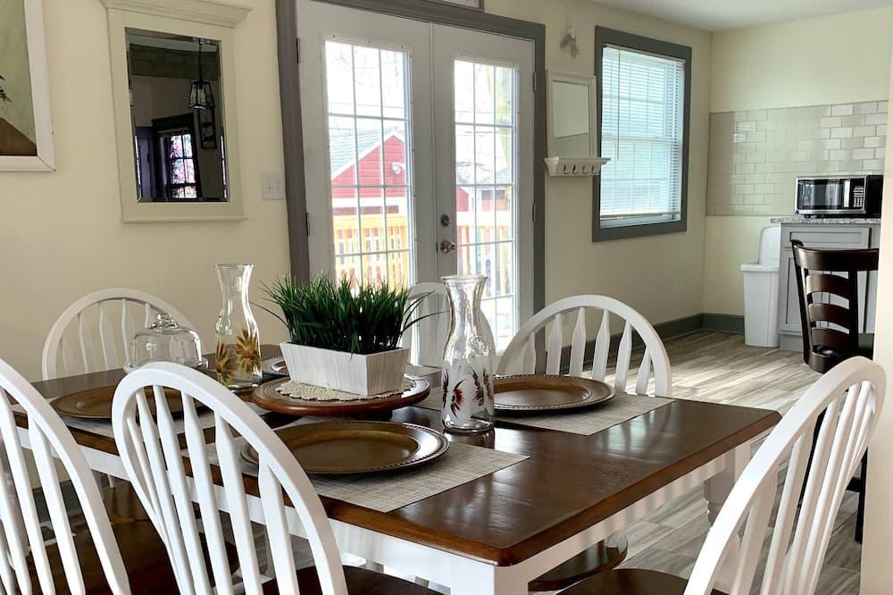 Casa clásica - Comida en la habitación