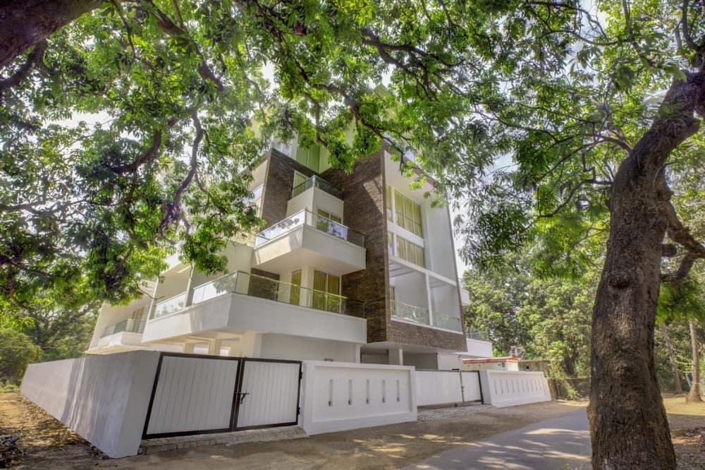 Hotel Avisha Residency