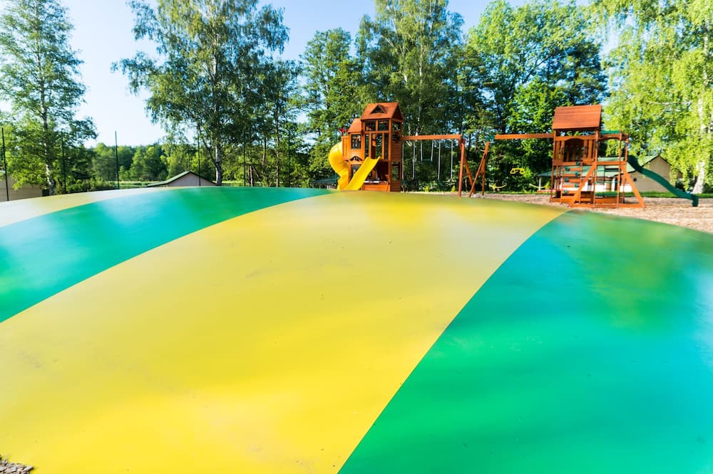 Kawasan Mainan Kanak-kanak – Luar