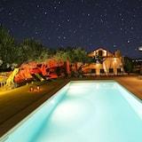 Vila (Three Bedroom Villa with Swimming Poo) - Bazen