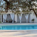 Villa (Three Bedroom Villa with Swimming Poo) - Kolam