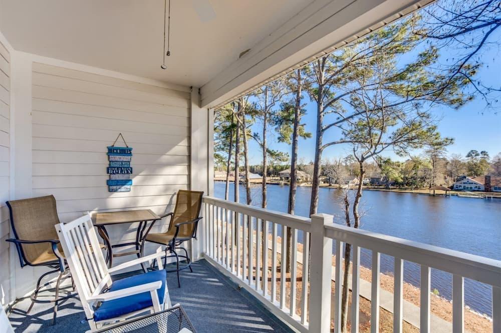 Rumah (Riverwalk 303) - Balkon