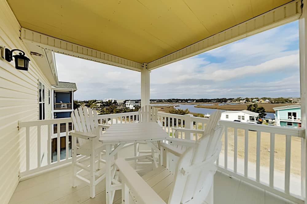House, 4 Bedrooms - Balkoni