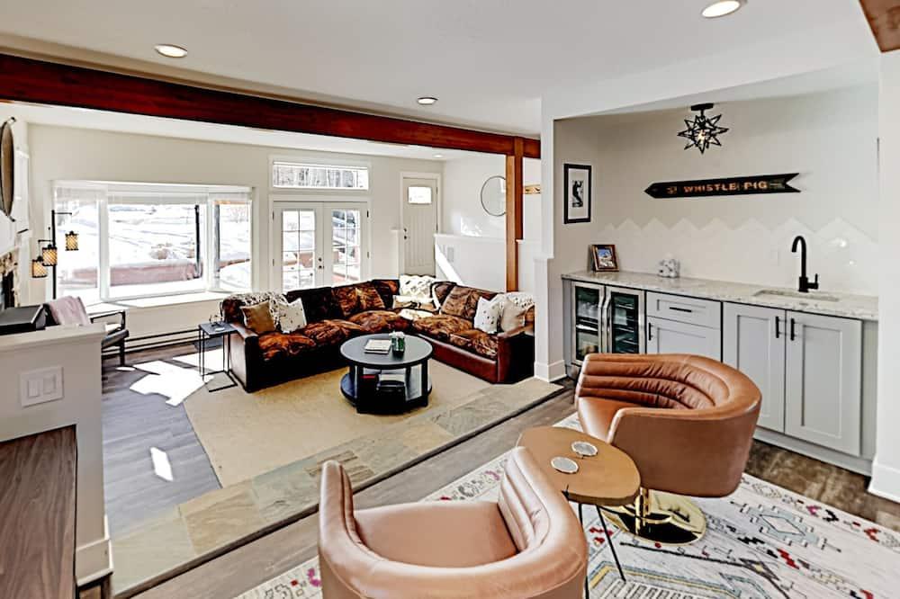 Duplex, 4 Bedrooms - Imej Utama