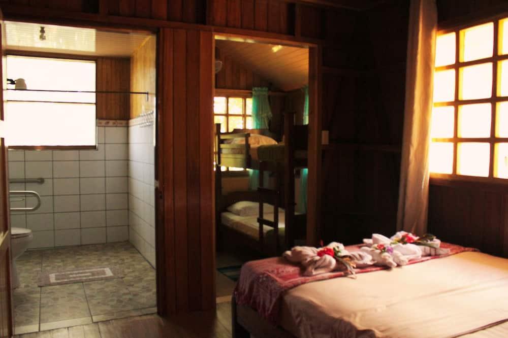 Las Ballenas Quadruple Room With Double and Bunk bed