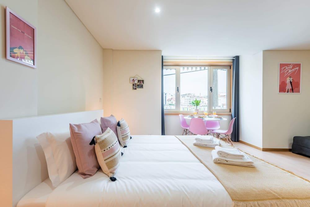 Studija su pagrindiniais patogumais, 1 standartinė dvigulė lova ir 1 sofa-lova - Kambarys