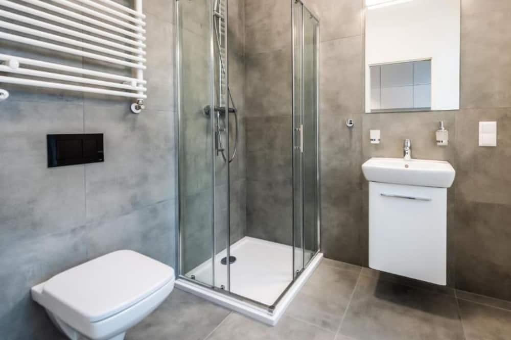 Standard Studio Suite - Bathroom