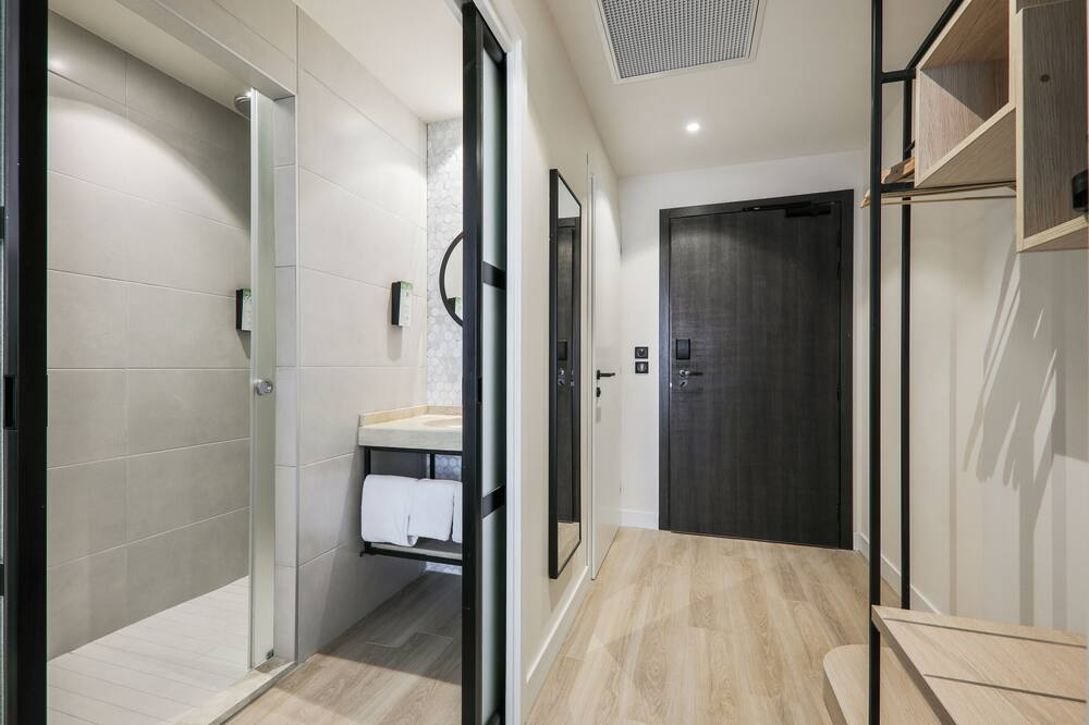 Next Generation, Superior Room, 2 Twin Beds - Bathroom